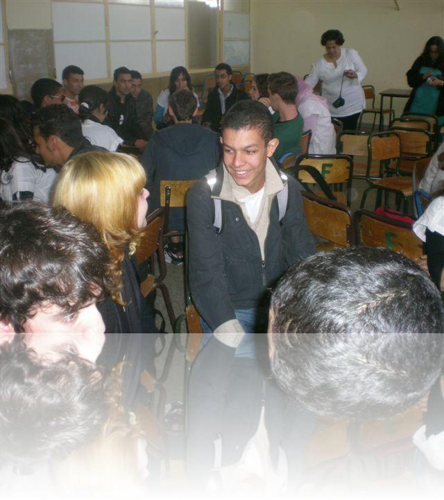Incontro con la classe che ci ha accompagnato durante il pomeriggio nella medina di Meknes