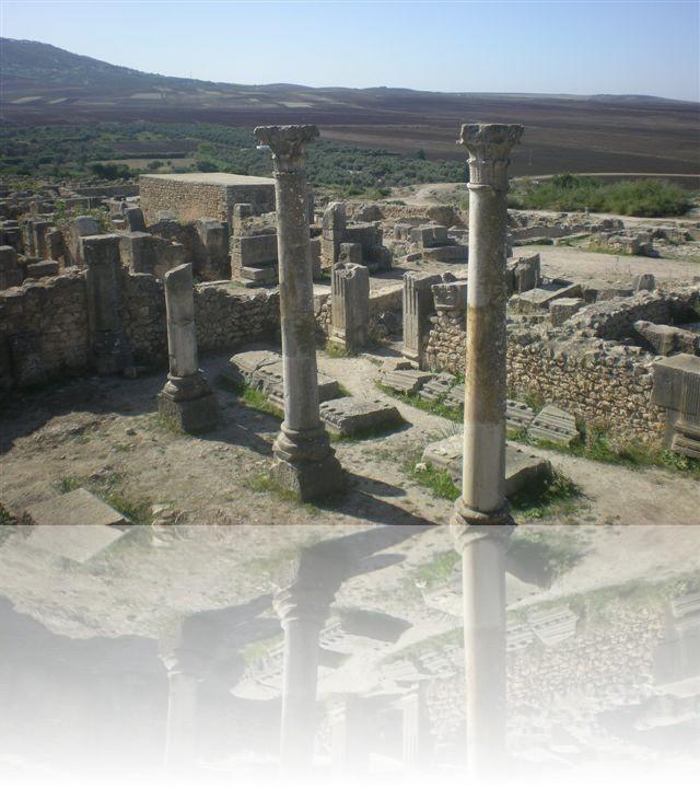 Colonne romane con capitelli classici
