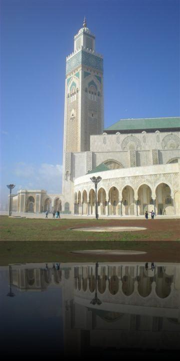 L\'esterno della moschea di Hassan II a Casablanca