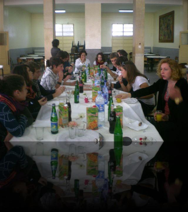 Piccola pausa con the e dolci tipici marocchini